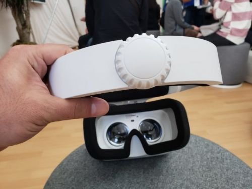Hands-On: Lenovo Mirage Solo VR Headset