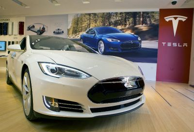 Tesla wins back top consumer rating for Model S