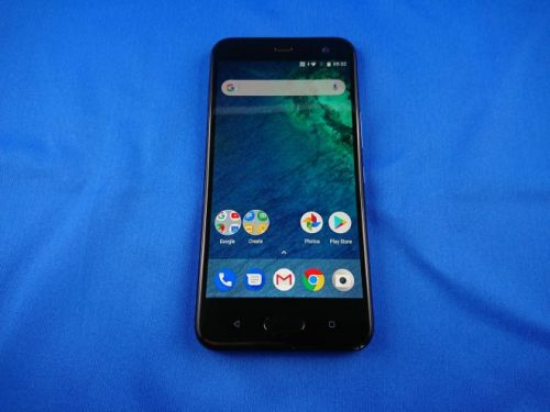 HTC U11 Life Hands on Review: Lighter HTC U11 Goes Android One Way