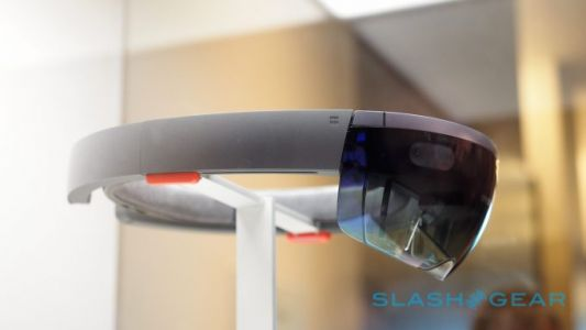 HoloLens 2 tipped for Q1 2019: Cheaper, Lighter, and broader AR