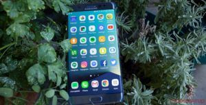 Samsung users are happier with their phones than iPhone customers, says report