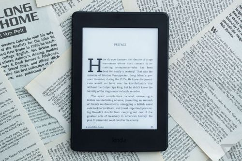 Amazon discounts Kindles by $30 to celebrate the device's 10th anniversary