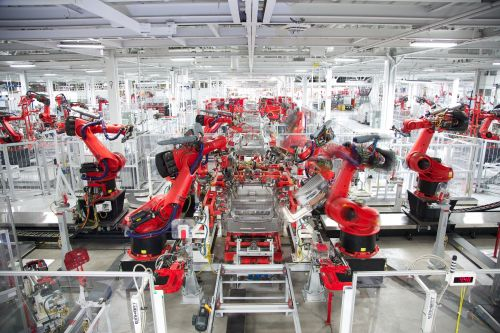 Elon Musk talks about robots all the time, but nobody else in the auto industry does - here's why