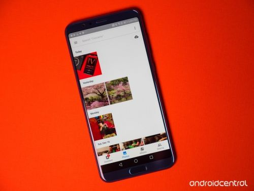 Google Photos is being updated with Favorite and Like buttons