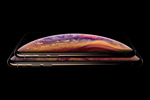 This week's best deals include iPhone XS preorders and discounted Fitbits from Amazon
