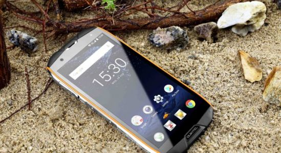 What kind of users is the tri-proof Oukitel WP5000 aimed at?