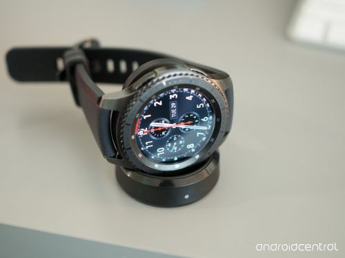 3 Great Third Party Wireless Charging Docks for Samsung Gear S3