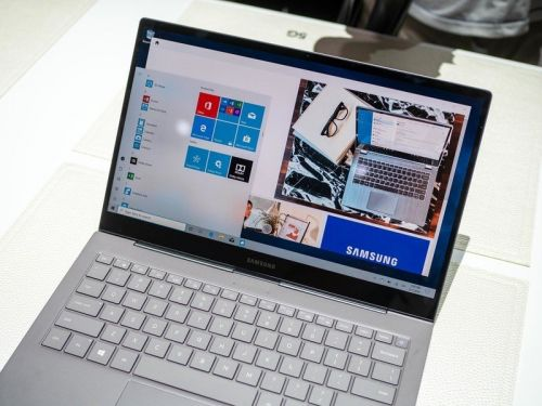 Does Samsung Galaxy Book S have a touch screen?