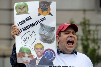 Net neutrality: Internet companies urge FCC to preserve rules