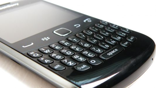 BlackBerry is suing Facebook, Instagram and WhatsApp over messaging patents