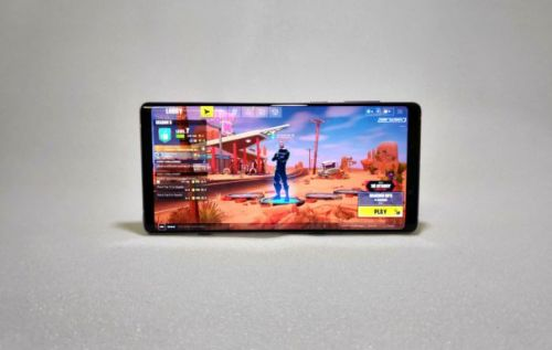 Galaxy Note 9 can play Fortnite for 5+ hours with one full battery