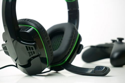 AmazonBasics gaming headset review: Mucho boom for your buck