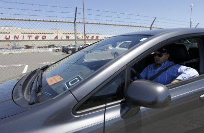 Uber and Lyft, watch out: SFO airport wants to use license-plate scanners to keep self-driving cars off its roads