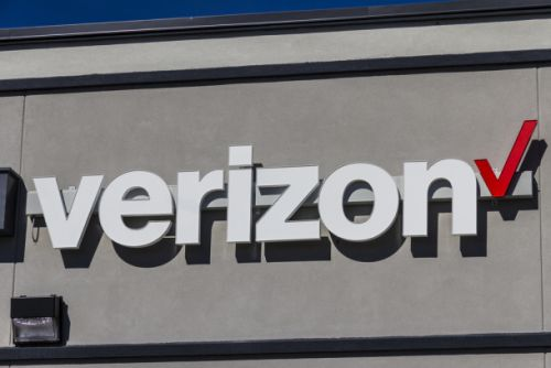 Net neutrality protests happening at Verizon stores nationwide today