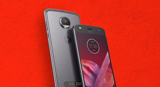 Moto Z2 Play Oreo build starts testing phase at Brazil
