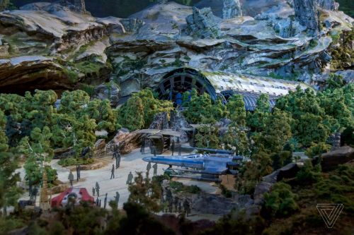 A new Star Wars book will tie in with Disney's upcoming Galaxy's Edge theme parks