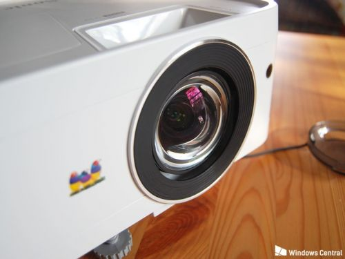ViewSonic's PX706HD projector is an impressive device for gaming