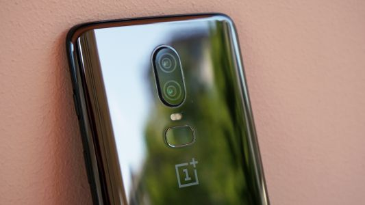 It doesn't look like the OnePlus 6T will come with a triple camera