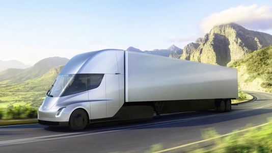 Tesla Semi Truck Spotted: Twitter Video Shows Prototype Truck Driving Quietly While Pulling a Trailer