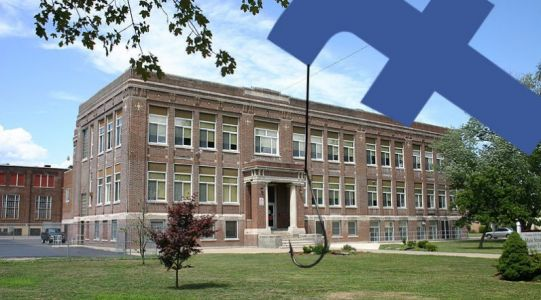 Facebook trials 'High School Networks' for Messenger - what could go wrong there?