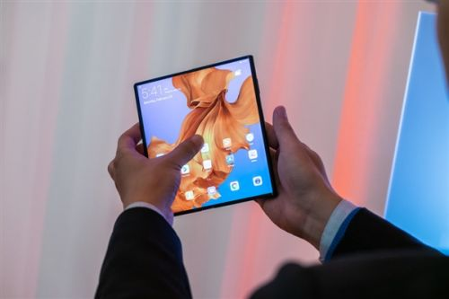 """Huawei Mate X postponed until September: """"We don't want to destroy our reputation"""""""