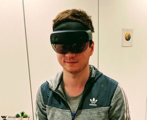 Hands-on with HoloLens 2 and its Windows Core OS