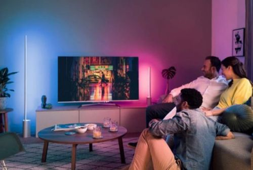 Philips Hue Signe Collection and Hue Play are slick, sleek & smart lamps