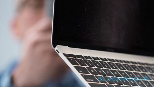 Apple admits MacBook Pro keyboard issue with repair program