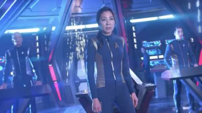 Star Trek: Discovery's Gripping New Trailer Shows Crew At War With Klingons