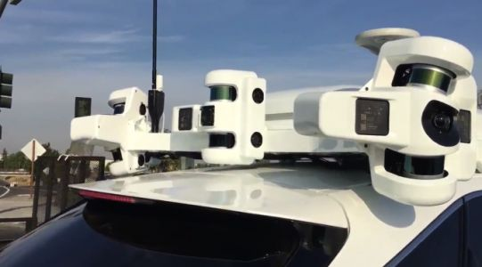 Apple's Project Titan self-driving test car has a lot going on up top
