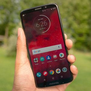 Verizon cuts the Moto Z3 price by 50% - now, that's a deal