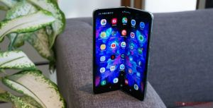 Samsung Galaxy Fold not coming in July, no progress since April: report