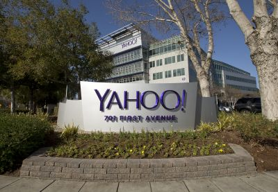 Yahoo buying $3 billion worth of own shares before sale