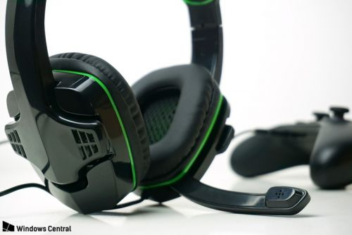 AmazonBasics Xbox One headset review: Mucho boom for your buck