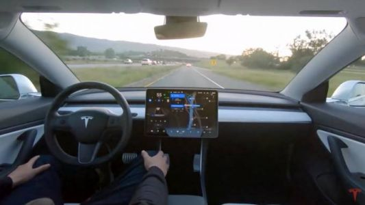 Tesla's latest full self-driving car went for a drive: Watch how it did