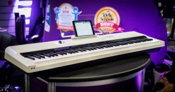 Review: The One Smart Keyboard Pro uses RGB lights to help you play piano