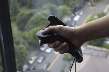 Valve VR knuckle controllers can squish, track fingers, navigate with thumbstick