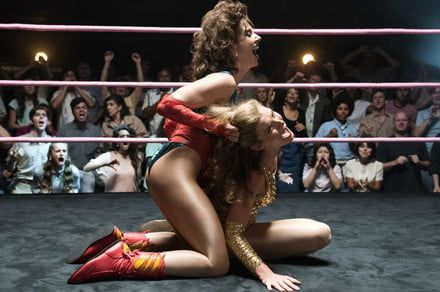 GLOW season 3 trailer sends everyone to Vegas, brings on Geena Davis