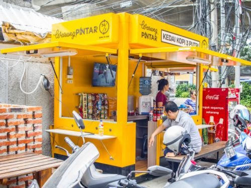 Warung Pintar raises $27.5M to digitize Indonesia's street vendors