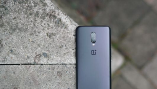 OnePlus 6T latest update improves battery, camera and fixes Verizon network issue