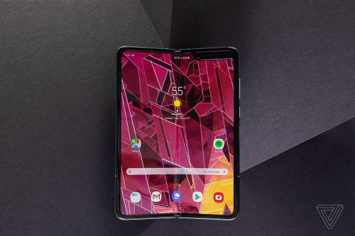 Samsung delays Galaxy Fold launch after early display issues