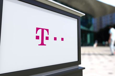 T-Mobile partners with Live Nation, Pandora to offer customers more perks