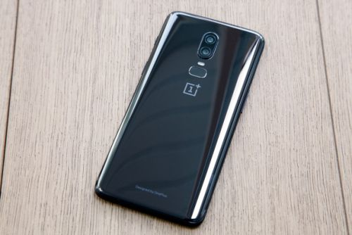 The worst thing about the OnePlus 6 isn't even the fact that it copies the iPhone X
