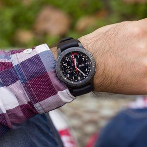 Samsung Gear S3 Frontier and Classic variants drop below $200 at Best Buy