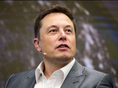 Elon Musk just apologized to the analyst whose questions he called 'boring' and 'boneheaded' last quarter
