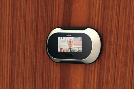 Brinno SHC500 is an inconspicuous digital peephole that records video