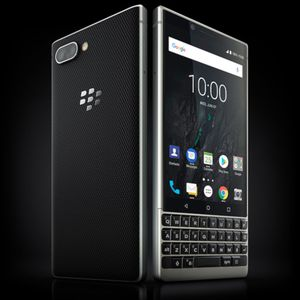 BlackBerry KEY2 ad shows how couples communicate in the smartphone era