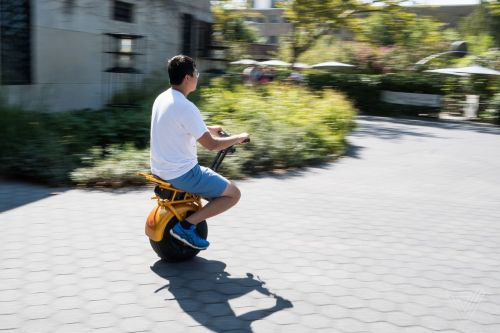 Riding the Uno Bolt, a weird and wonderful self-balancing unicycle