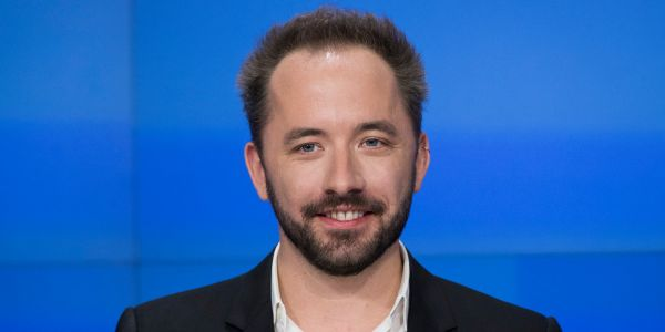 Dropbox crushes Wall Street expectations on earnings, but COO Dennis Woodside is stepping down