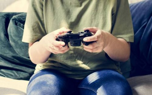 Social media, not video games, linked to increase in teen depression